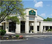 Photo of La Quinta Inn & Suites Fairfield - Fairfield, NJ